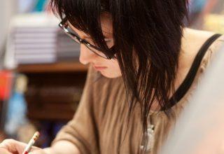 Krystel , illustratrice et dessinatrice BD